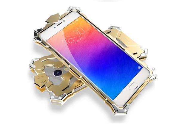 """Противоударный металлический чехол-бампер из цельного куска металла с усиленной защитой углов и необычным экстремальным дизайном для Meizu Pro 6 5.2"""" золотого цвета"""