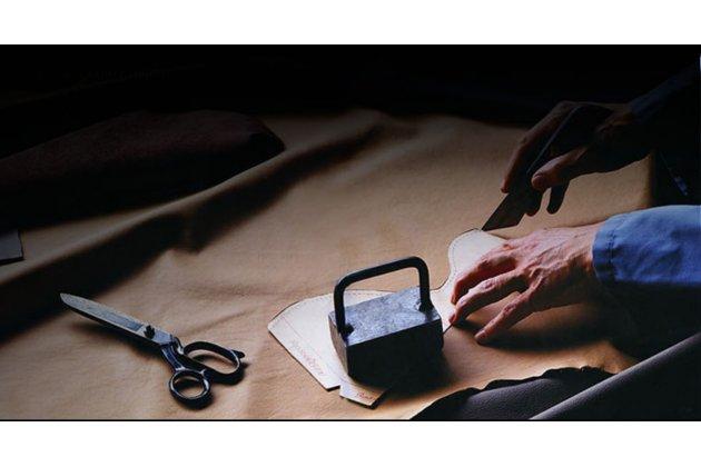 """Фирменная роскошная эксклюзивная накладка  из натуральной рыбьей кожи СКАТА (с жемчужным блеском) фиолетовая для HTC Desire 825 Dual Sim 5.5"""" Только в нашем магазине. Количество ограничено"""