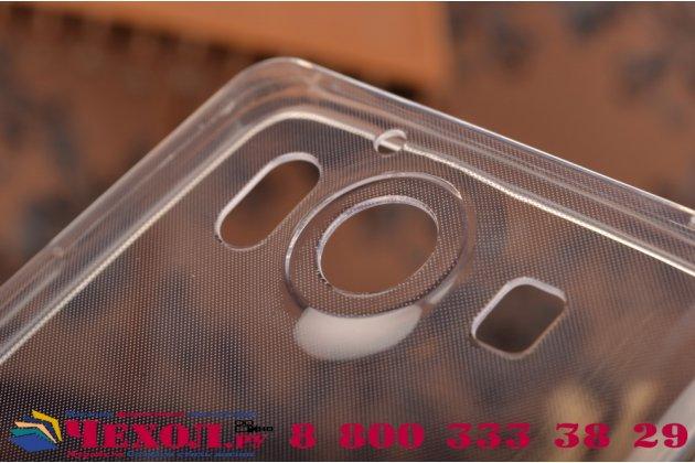 Фирменная ультра-тонкая полимерная из мягкого качественного силикона задняя панель-чехол-накладка для Microsoft Lumia 950 белая
