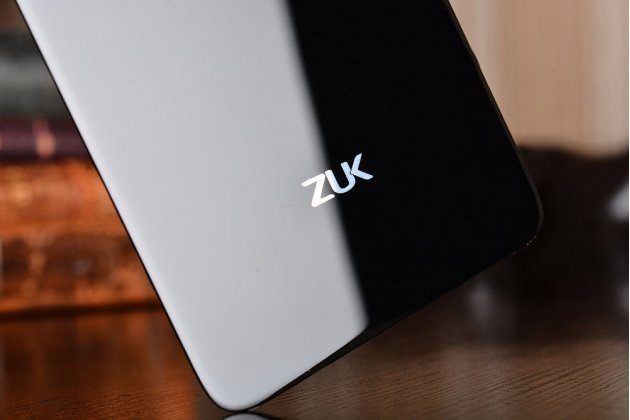 """Родная оригинальная задняя крышка-панель которая шла в комплекте для Lenovo Zuk Z2/ZUK Z2 Rio Edition 5.0"""" черная"""