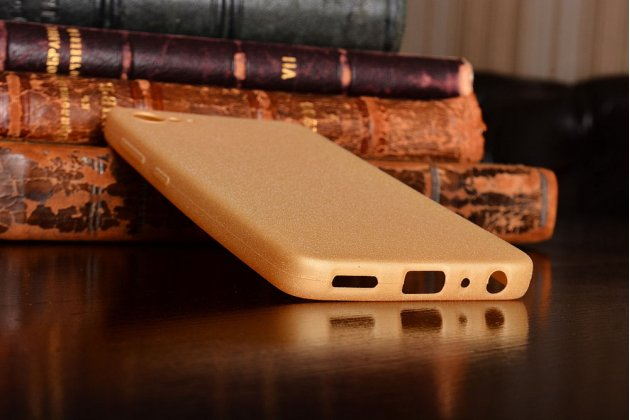"""Фирменная задняя панель-крышка-накладка из тончайшего  силикона  для  Lenovo Zuk Z2/ZUK Z2 Rio Edition 5.0""""  золотая"""