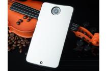 Фирменная роскошная элитная премиальная задняя панель-крышка на пластиковой основе обтянутая импортной кожей для Motorola Nexus 6 королевский белый