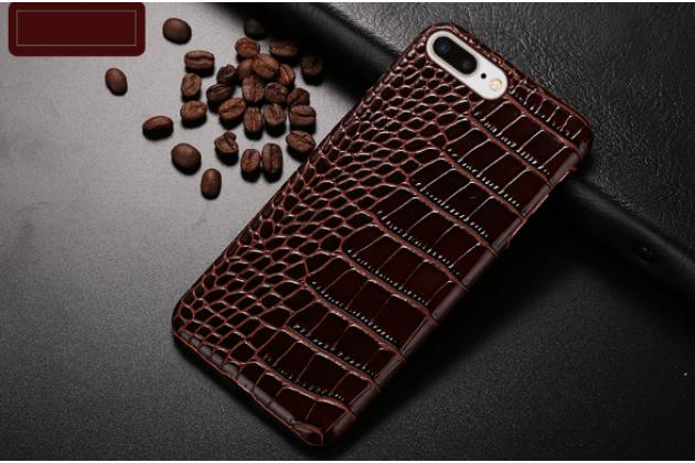 Фирменная элегантная экзотическая задняя панель-крышка с фактурной отделкой натуральной кожи крокодила кофейного цвета для Nokia Lumia 1320. Только в нашем магазине. Количество ограничено.