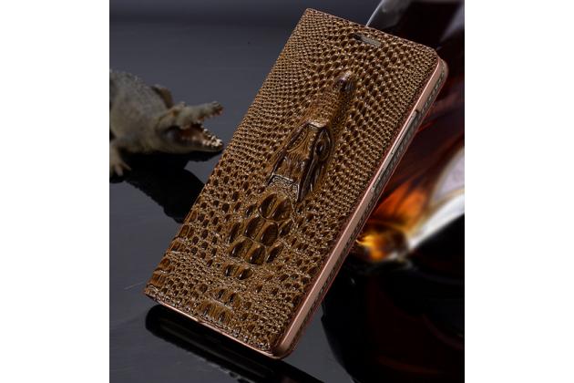 Фирменный роскошный эксклюзивный чехол с объёмным 3D изображением кожи крокодила коричневый для Nokia Lumia 1320 . Только в нашем магазине. Количество ограничено