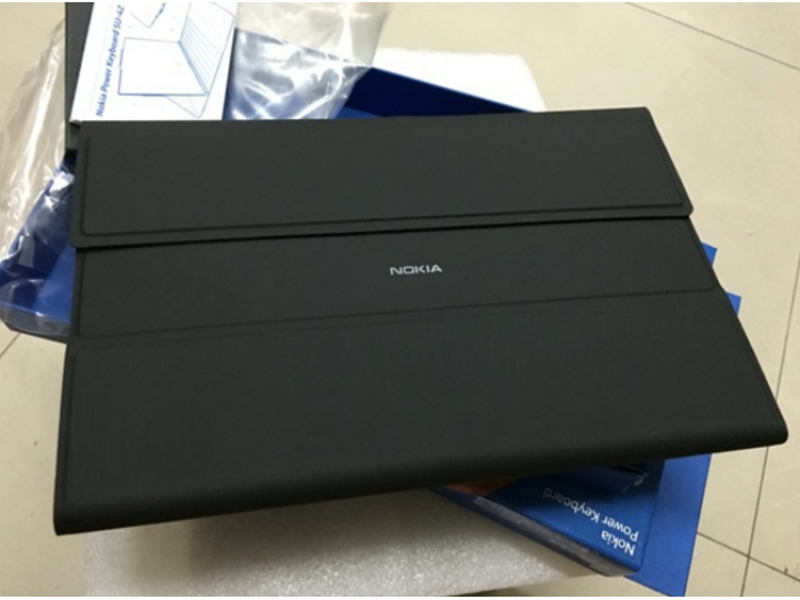 Многофункциональный чехол-клавиатура NOKIA POWER KEYBOARD со встроенным тачпадом и двумя дополнительными USB-п..
