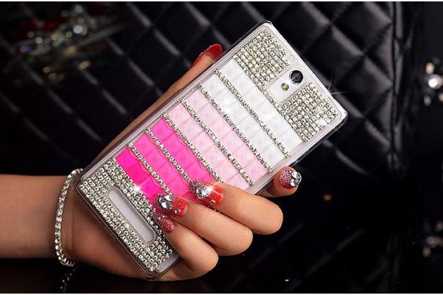 Фирменная роскошная элитная пластиковая задняя панель-накладка украшенная стразами кристалликами и декорированная элементами для OnePlus One розовая