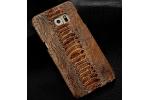 Фирменная элегантная экзотическая задняя панель-крышка с фактурной отделкой натуральной кожи крокодила кофейного цвета для Philips i999.  Только в нашем магазине. Количество ограничено.