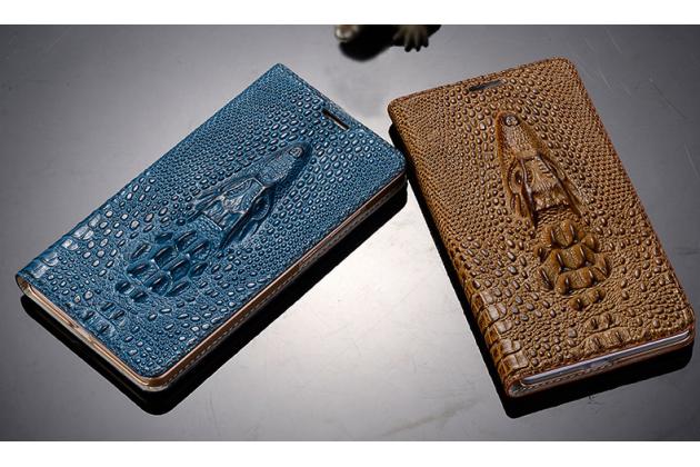 Фирменный роскошный эксклюзивный чехол с объёмным 3D изображением кожи крокодила коричневый для Philips i999 . Только в нашем магазине. Количество ограничено