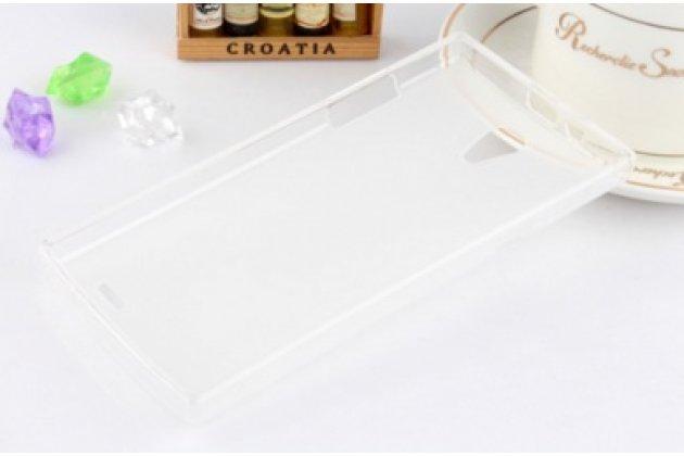 Фирменная ультра-тонкая полимерная из мягкого качественного силикона задняя панель-чехол-накладка для Philips Xenium S399 белая