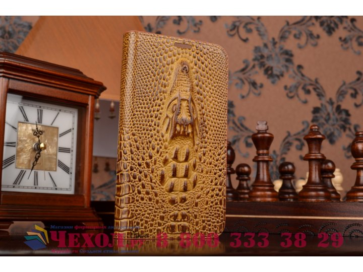 Фирменный роскошный эксклюзивный чехол с объёмным 3D изображением кожи крокодила коричневый для Philips Xenium..