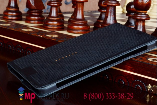 Чехол с мультяшной 2D графикой и функцией засыпания для Samsung Galaxy A7 в точечку с дырочками прорезиненный с перфорацией черный