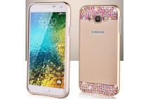 Фирменная металлическая задняя панель-крышка-накладка из облегченного авиационного алюминия украшенная стразами и кристалликами для Samsung Galaxy E7 золотая