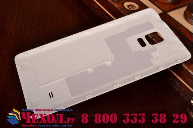 Родная оригинальная задняя крышка-панель которая шла в комплекте для Samsung Galaxy Note 4 белая