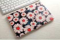Фирменный уникальный необычный чехол-подставка для Samsung Galaxy Tab A 10.1 2016 SM-P580/P585 S-Pen  тематика Ромашки