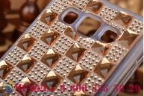 Фирменная роскошная задняя-панель-накладка декорированная кристалликами и и алмазиками на Samsung Galaxy A5