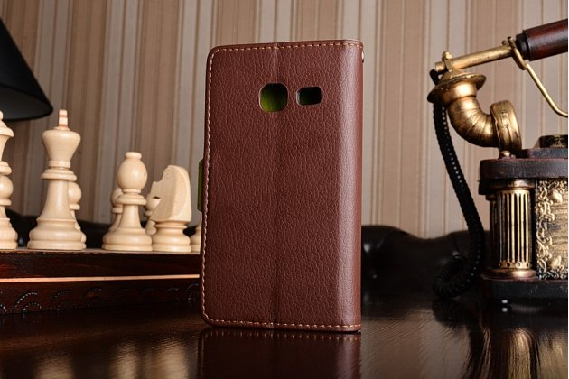Фирменный уникальный необычный чехол-книжка для Samsung Galaxy J1 mini SM-J105F/H / J1 Mini 2016 4.0 коричневый с декорированной застежкой в виде листочка