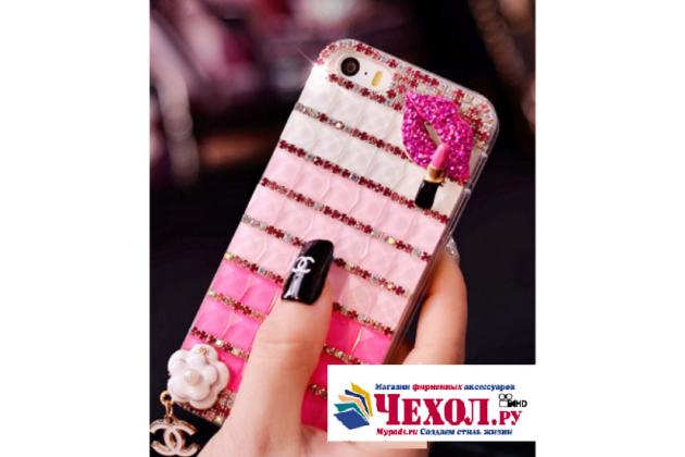 """Фирменная роскошная элитная пластиковая задняя панель-накладка украшенная стразами кристалликами и декорированная элементами для Samsung Galaxy J3 (2016) SM-J320F/DS/J320H/DS 5.0"""" розовая"""