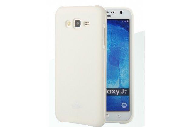 """Фирменная ультра-тонкая полимерная из мягкого качественного силикона задняя панель-чехол-накладка для Samsung Galaxy J7 2016 SM-J710x/ J710F 5.5""""  белая"""