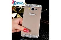Фирменная металлическая задняя панель-крышка-накладка из облегченного авиационного алюминия украшенная стразами и кристалликами для Samsung Galaxy A3 SM-A300F/H/YZ золотая