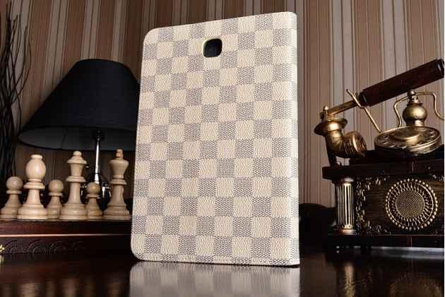 Фирменный чехол-обложка для Samsung Galaxy Tab A 8.0 SM-T350/T351/T355 в клетку белый кожаный