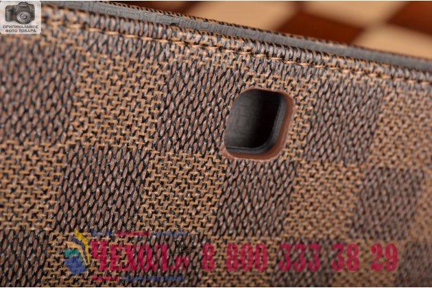 Фирменный чехол-книжка из кожи с мульти-подставкой и застёжкой для Samsung Galaxy Tab S2 9.7 SM-T810/T815 коричневый в клетку