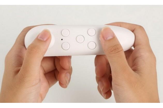 Фирменный беспроводной Bluetooth контроллер/джойстик/геймпад OXG для всех моделей шлемов виртуальной реальности / VR очков Android и IOS белый