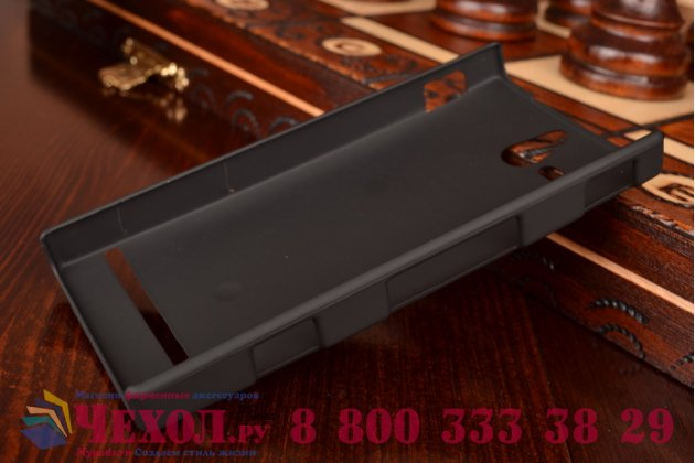 Фирменная задняя панель-крышка-накладка из тончайшего и прочного пластика для Sony Xperia U ST25i черная