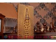 Фирменный роскошный эксклюзивный чехол с объёмным 3D изображением кожи крокодила коричневый для Sony Xperia C5..