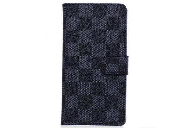 Фирменный чехол-книжка из кожи с мульти-подставкой застёжкой и визитницей для Sony Xperia Z4 Compact черный в клетку