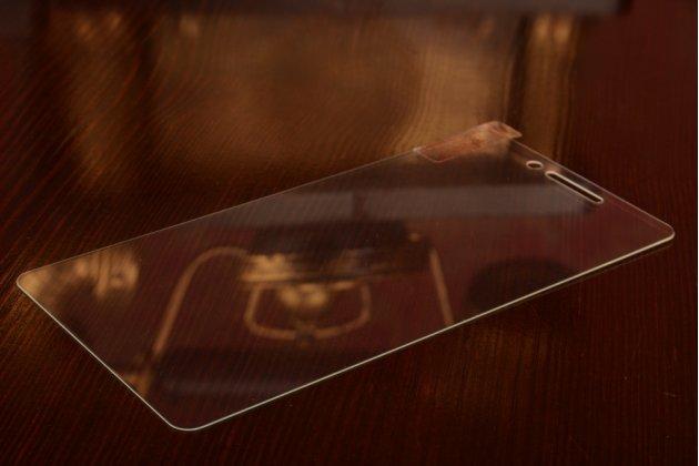 Фирменное защитное закалённое противоударное стекло премиум-класса из качественного японского материала с олеофобным покрытием для телефона Xiaomi Redmi 3 Pro/ 3S 5.0