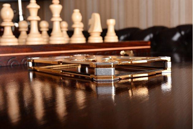 """Противоударный металлический чехол-бампер из цельного куска металла с усиленной защитой углов и необычным экстремальным дизайном для Xiaomi Redmi Note 4 5.5"""" золотого цвета"""