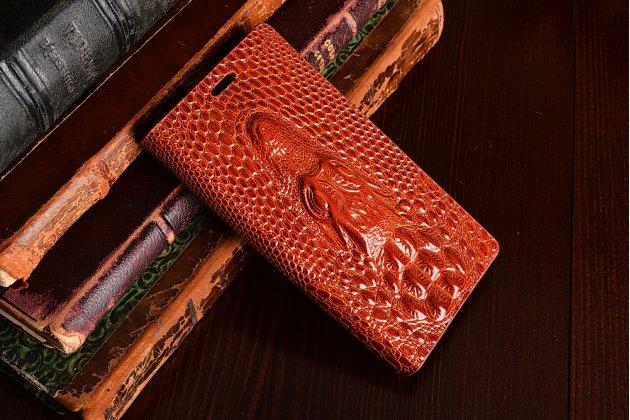 Фирменный роскошный эксклюзивный чехол с объёмным 3D изображением кожи крокодила коричневый для Sony Xperia ZR C5502/C5503. Только в нашем магазине. Количество ограничено