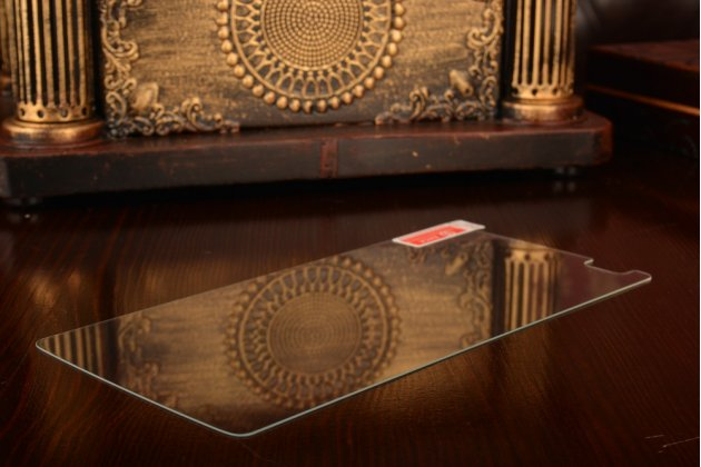 Фирменное защитное закалённое противоударное стекло премиум-класса из качественного японского материала с олеофобным покрытием для ZTE Axon Lux Pro / ZTE Axon Elite 5.5