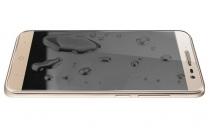 Фирменное защитное закалённое противоударное стекло премиум-класса из качественного японского материала с олеофобным покрытием для телефона ZTE Blade A465