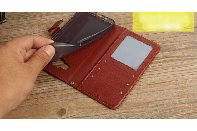 Фирменный чехол-книжка из качественной импортной кожи с подставкой застёжкой и визитницей для Philips Xenium X818 / Philips X818 коричневый