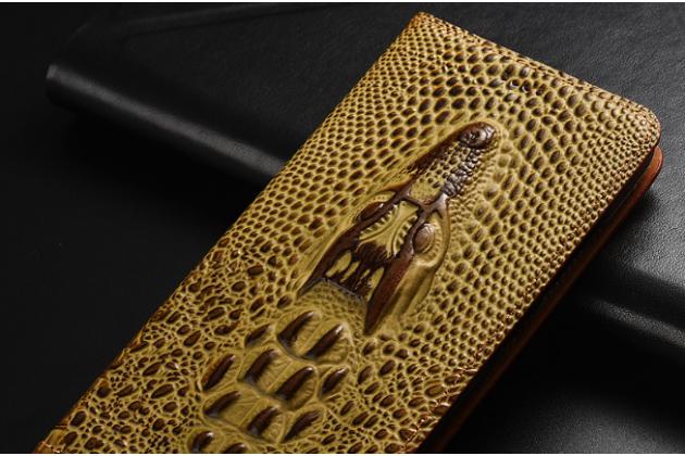 Фирменный роскошный эксклюзивный чехол с объёмным 3D изображением кожи крокодила коричневый для Philips Xenium X818 / Philips X818  Только в нашем магазине. Количество ограничено