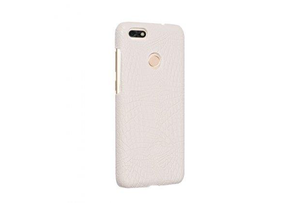 Фирменная роскошная элитная премиальная задняя панель-крышка на пластиковой основе обтянутая лаковой кожей крокодила  для Huawei P9 Lite Mini / Huawei Y6 Pro (2017) / Huawei Enjoy 7 белый