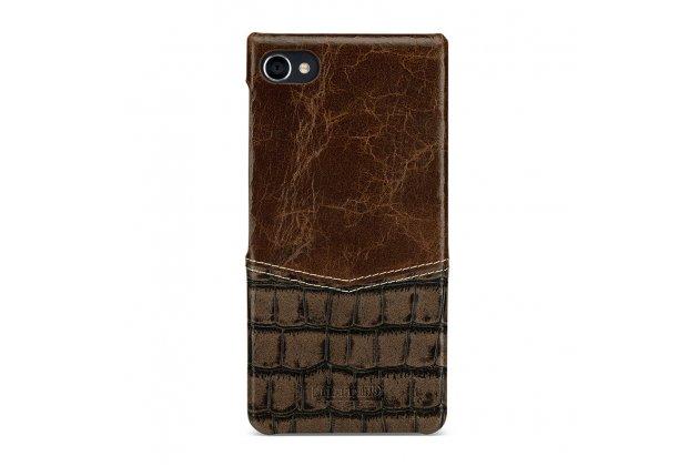 Фирменная роскошная элитная премиальная задняя панель-крышка для BlackBerry Motion из качественной кожи буйвола с вставкой под кожу рептилии в коричневом цвете