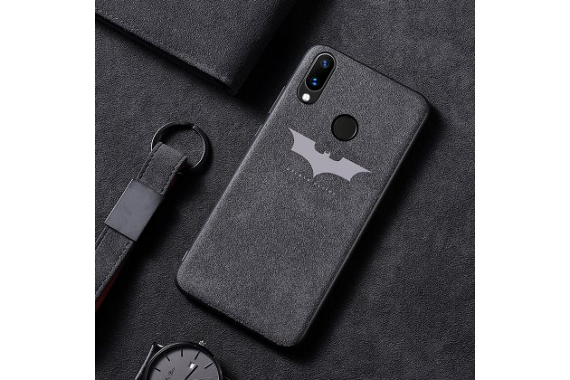 """Фирменная оригинальная задняя панель-крышка-накладка из замши для Huawei Nova 3 """"тематика Batman"""" в черном цвете"""