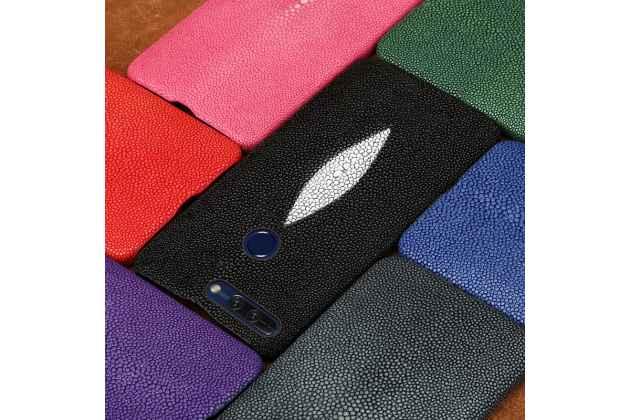 Фирменная роскошная эксклюзивная накладка  из натуральной рыбьей кожи СКАТА (с жемчужным блеском) чёрный для Huawei Honor V10 / Honor View 5.99 (BKL-AL20). Только в нашем магазине. Количество ограничено