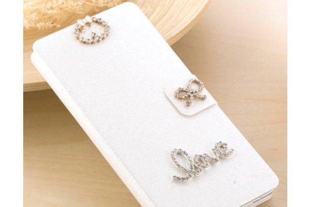 Фирменный роскошный чехол-книжка безумно красивый декорированный бусинками и кристаликами на HTC U11 EYEs белый