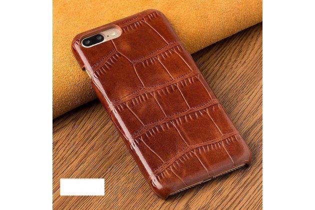 Фирменная элегантная задняя панель-крышка с фактурной отделкой натуральной кожи крокодила для Huawei P Smart 5.65 (FIG-LX1 /AL00) / Huawei Enjoy 7S коричневая. Только в нашем магазине. Количество ограничено.