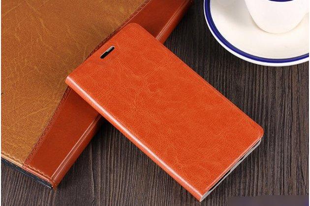 Фирменный чехол-книжка из качественной водоотталкивающей импортной кожи на жёсткой металлической основе для ASUS ZenFone 5 Lite ZC600KL 3/ 4 коричневый