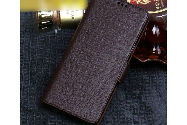 Фирменный роскошный эксклюзивный чехол с фактурной прошивкой рельефа кожи крокодила коричневый для ASUS ZenFone 5/ 5Z (ZE620KL/ZS620KL). Только в нашем магазине. Количество ограничено