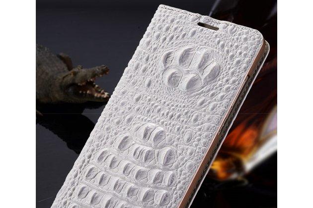 Фирменный роскошный эксклюзивный чехол с объёмным 3D изображением кожи крокодила белый для Lenovo S5 / Lenovo K520 . Только в нашем магазине. Количество ограничено