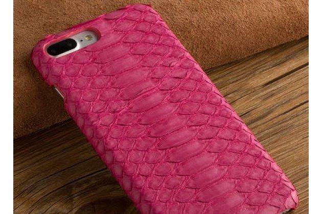 Фирменная элегантная экзотическая задняя панель-крышка с фактурной отделкой натуральной кожи змеи розового цвета для BlackBerry KEY2. Только в нашем магазине. Количество ограничено.