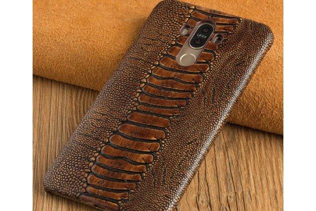 Фирменная элегантная экзотическая задняя панель-крышка с фактурной отделкой натуральной кожи страуса кофейного цвета для BlackBerry KEY2 . Только в нашем магазине. Количество ограничено.