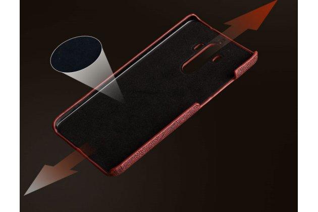 Фирменная элегантная экзотическая задняя панель-крышка с фактурной отделкой натуральной кожи страуса цвет красное вино для BlackBerry KEY2. Только в нашем магазине. Количество ограничено.