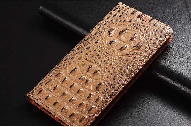 Фирменный роскошный эксклюзивный чехол с объёмным 3D изображением рельефа кожи крокодила коричневый для Huawei Y6 Prime 2018 (ATU-L42/L31) Только в нашем магазине. Количество ограничено