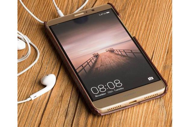 Фирменная роскошная эксклюзивная накладка из натуральной КОЖИ С НОГИ СТРАУСА коричневая для Huawei Mate 20 Lite (SNE-LX1). Только в нашем магазине. Количество ограничено